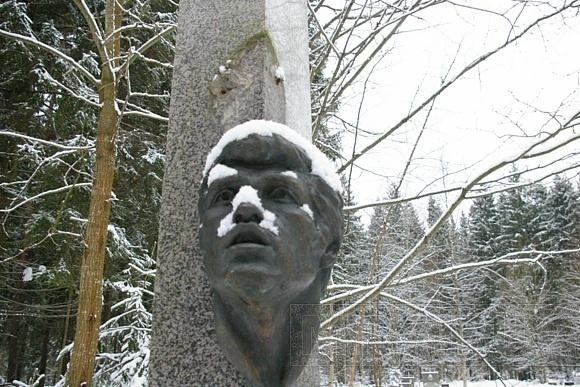 На Северном кладбище украли весь цветмет: Фото