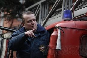 В Кронштадтском морском заводе тушили сильный пожар