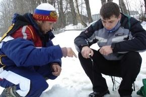 Дети ловили рыбу под присмотром Валуева
