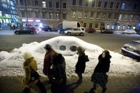 За последние дни 20 петербуржцев пострадали от падения сосулек с крыш