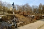 Фоторепортаж: «В Муринском парке починили дамбу и устроили помойку»