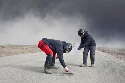 Вулканический пепел полностью парализовал воздушное движение над Европой (фото): Фото