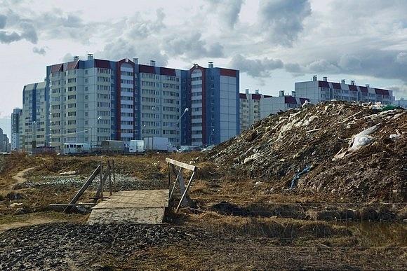 В Колпино – новый торговый комплекс и новая свалка: Фото