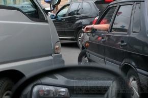 Ремонт дороги вызвал пробку на КАД