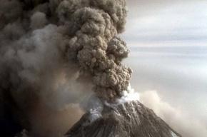 Облако вулканического пепла уходит в Атлантику