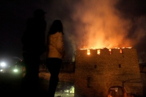 Две башни Псковского Кремля уничтожены огнем