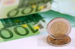 Евро упал на 24 копейки
