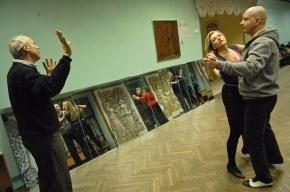 Жизнь в ритме ча-ча-ча: петербуржцы танцуют везде, где играет музыка