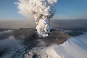 Исландские геологи: активность вулкана растет