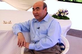 Аскар Акаев назвал дипломатию Бакиева «флюгерной»