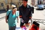 В Петроградском районе внутри станции для курения нашли 466 человекобычков (фото): Фоторепортаж