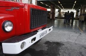 В результате ночного пожара в Выборгском районе сгорели 7 машин