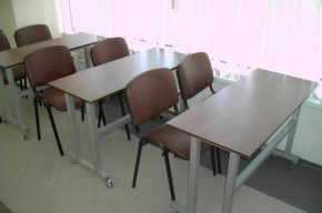 Фурсенко: в России за 10 лет количество школьников сократилось почти на 50%