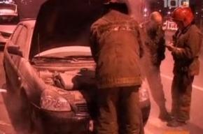 Ночью на Пискаревском виадуке загорелся автомобиль