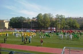Стадион имени Лесгафта открыли, несмотря на пробки