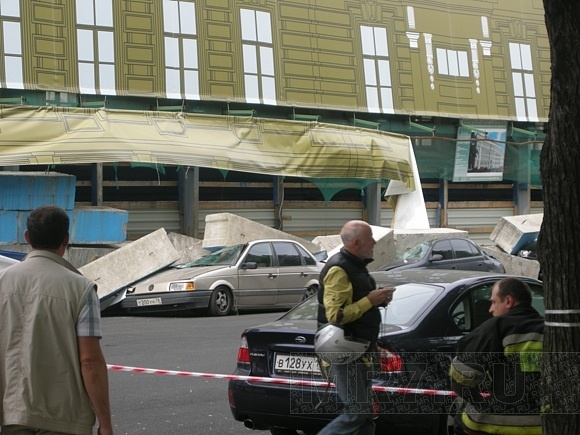 В Петербурге обрушилась стена дома: Фото