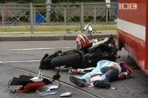 Смертельное ДТП: мотоциклист влетел в трамвай