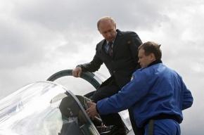 Путину показали самолет