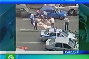 Высокопоставленные взяточники выкинули на улицу десять миллионов рублей, когда заметили слежку