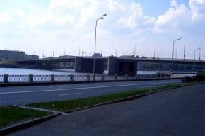 Теплоход врезался в Володарский мост