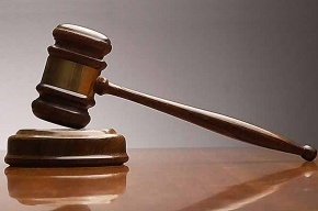 Мужчина пытался убить себя в зале суда