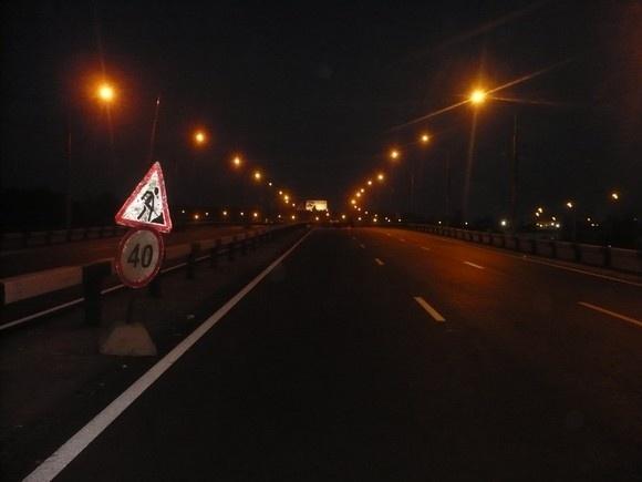 Мотоциклист влетел в отбойники из-за неправильных знаков: Фото