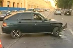 ДТП на Садовой: разбились 2 ВАЗа, пострадали пешеходы