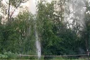 В Приморском районе кипятком фонтанировала труба