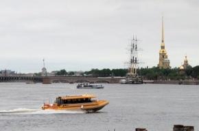 От Дворцовой до моста Александра Невского можно бесплатно доплыть за 15 минут