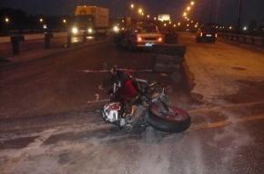 Мотоциклист влетел в отбойники из-за неправильных знаков