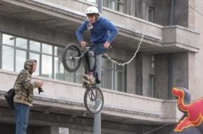 Велосипедистов арестовали на трое суток за нецензурную брань