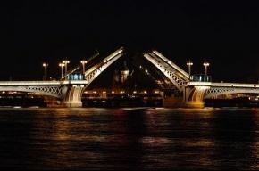 В ближайшую ночь график разводки мостов поменяется