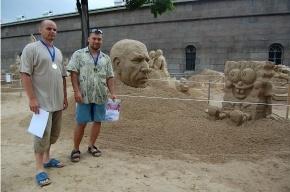 Победители фестиваля песчаных скульптур: «Идея сделать Саида из «Белого солнца пустыни», а рядом Губку Боба – пришла спонтанно» (фото)