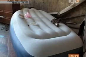 Посетители наркопритона на Лиговке «кайфовали» на надувных матрасах