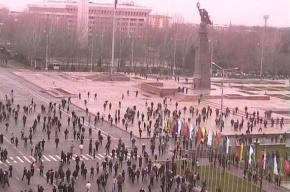 В Киргизии произошла попытка захвата власти с использованием камнемётов