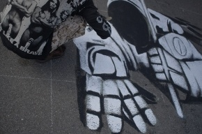 Граффитчики показали высокотехнологичные чудеса на Крестовском острове (фоторепортаж)