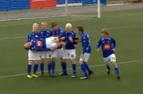 На занятиях исландские футболисты тренируются праздновать голы