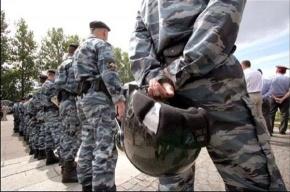 На матче «Анжи» - «Амкар» милиция избила дубинками… саранчу