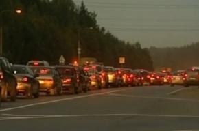 В Ленобласти столкнулись три машины, образовалась огромная  пробка
