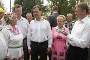 Медведев: Если бы не добровольцы, с пожарами было бы еще хуже