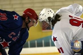 В Петербурге хоккейное дерби армейцев и «львов»