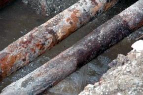 На набережной Мартынова пробили газопровод