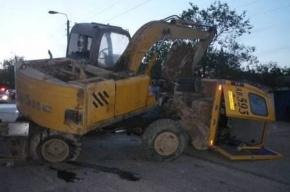 Столкнулись маршрутка, экскаватор и «Жигули»: 17 пострадавших