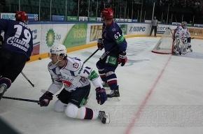 Кержаков и Быстров стали хоккейными завсегдатаями