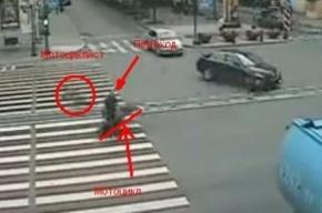 Страшное ДТП на Невском: пешехода снесло мотоциклом