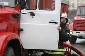 В Петербурге снова горела бытовка