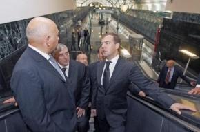 Лужков будет судиться с Медведевым