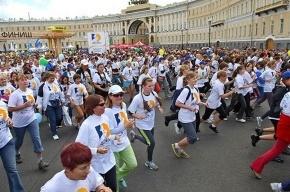 Сегодня бегущие женщины приостановят движение в центре Петербурга