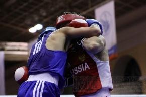 Кадочников, Бивол и Никитаев вышли в четвертьфинал
