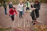 Фоторепортаж: «Городской субботник: Как Валентина Матвиенко сажала ель»